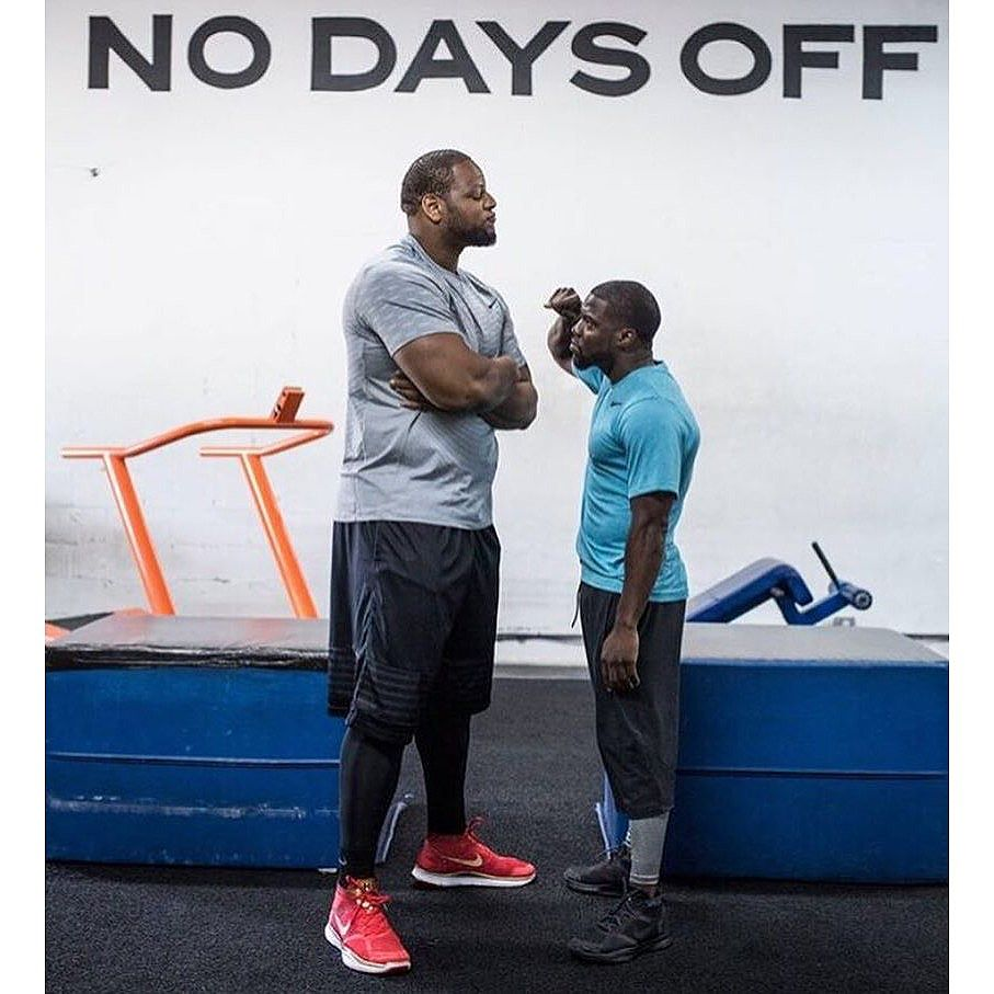 """#Challenge complete!!! @kevinhart4real: Got a great workout in this morning with my man @ndamukong_suh .....Listen up people....Its not about the size of a man its about the size of the """"Hart"""" within the man!!!! I refuse to be outworked.... #HustleHart #repost #suh"""