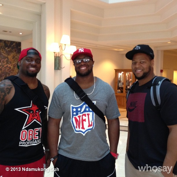 SUHsquad, whatup! Another great day in Hawaii! Chillin with Gerald McCoy and Henry Melton after practice!